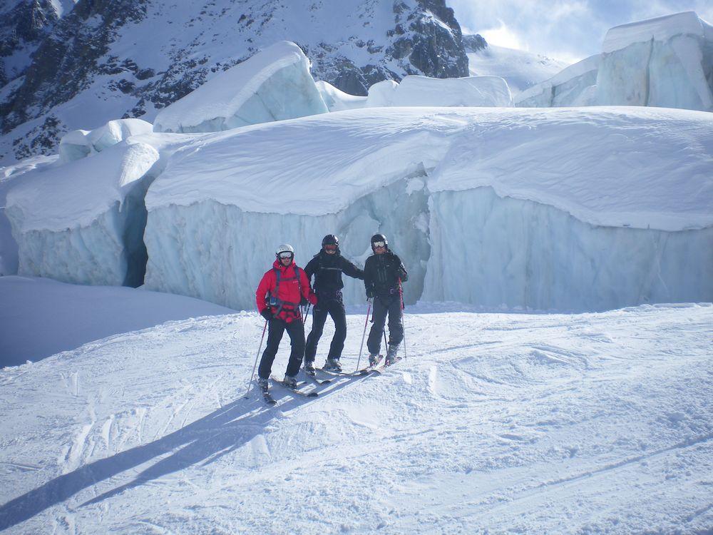Bilde-7-Gutta-foran-isbreen