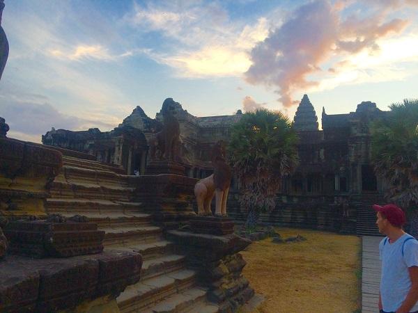 Even morgen tempel